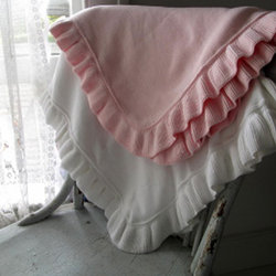 Cotton Ruffle Blanket